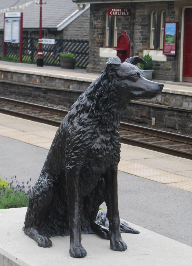 Garsdale Station, Settle & Carlisle Railway, Cumbria: Ruswarp statue