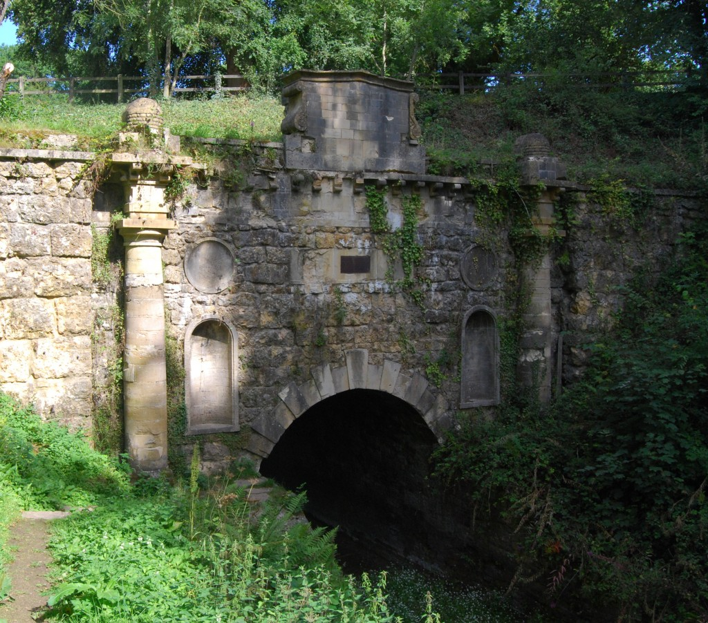 Sapperton Tunnel, Thames & Severn Canal, Gloucestershire:   Coates Portal