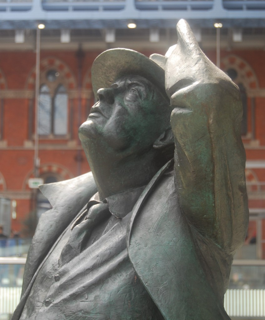 Martin Jennings, 'Sir John Betjeman', St Pancras Station, London