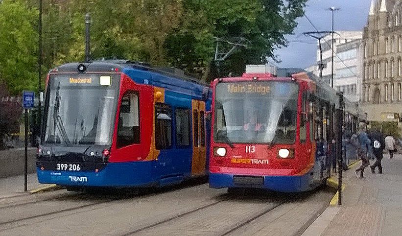 Sheffield Cathedral tram stop:  South Yorkshire Supertram nos 206 & 113 (September 2018)